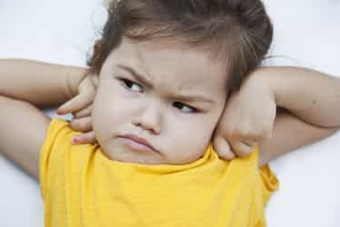 What to do when a kid throw tantrums
