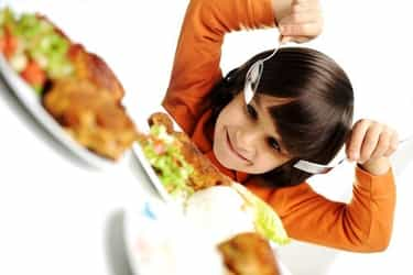 Table manners essentials: Eating out with kids