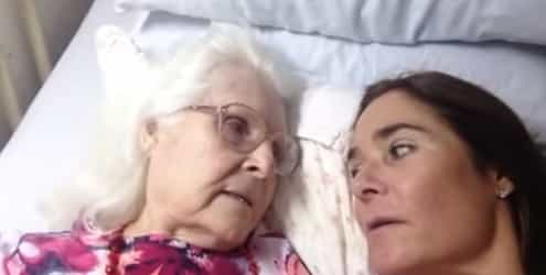 Mum with Alzheimer's does not recognise her daughter...and then this happens!