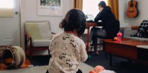Dilemma Of A Full Time Working Mother: Managing Work And Kids