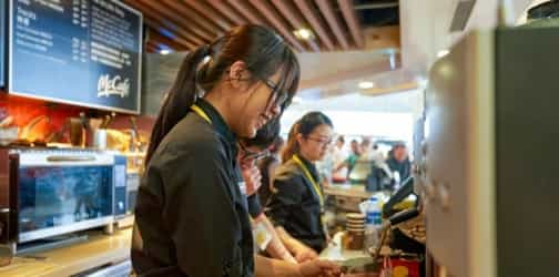 9 types of Singaporean customers that you'll experience when working in F&B