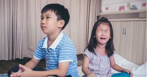 5 Ways To Stop Your Child From Becoming A Sibling Bully