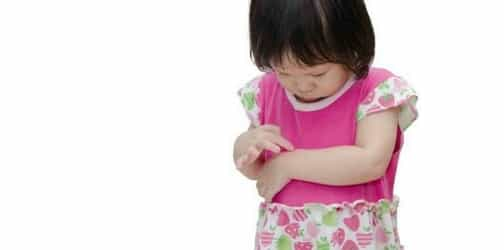 Why kids ALWAYS ask for bandages -- and the ouch-free way to remove them!