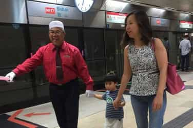 With mums like these, Singapore can never be truly Racist!