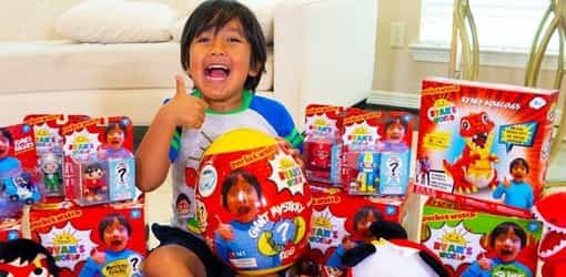 This 7-year-old reviewing toys makes S$30 million a year as the highest paid YouTube star