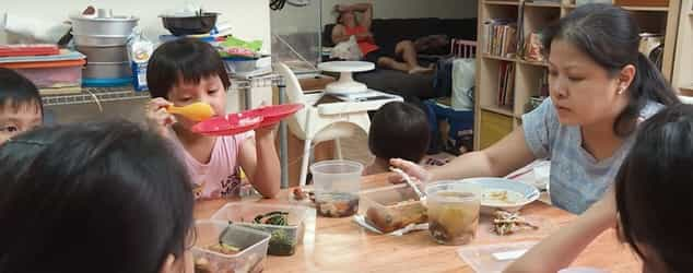 The Singapore Family Raising 7 Kids On Under S$3000 A Month