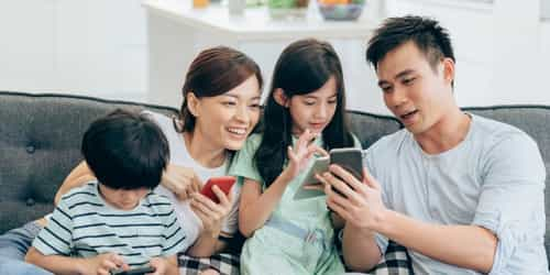 A Parent's Social Media Guide To Quality Family Time