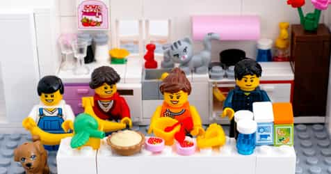 Playing With Your Kids' Lego Will Make You Less Stressed Out