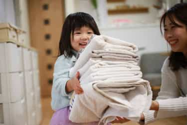 How Busy Mums Can Keep Their Clothes Clean And Allergy-free In Humid Weather