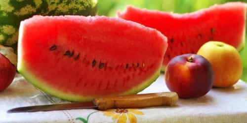 You should try this refreshing watermelon apple smoothie recipe