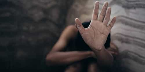 Father remanded in prison for raping his teenage daughters