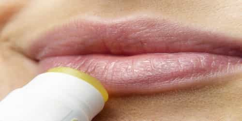5 Natural Ways To Make Your Lips Soft And Pink