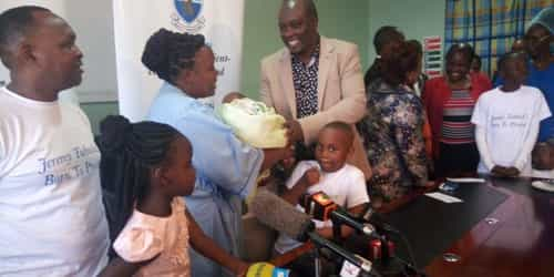 Kenyan National Hospital Doctors Celebrate As 400 gms Baby Reaches 3.5 Kg Weight