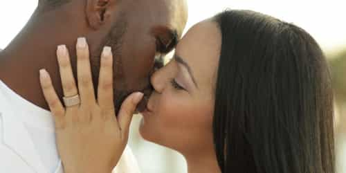 8 Easy Guides To Being A Great Kisser
