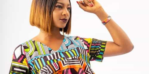 Comfortable And Stylish Traditional Maternity Tops For African Mums