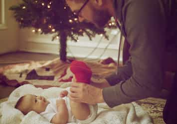 How Fathers Can Support Their Wives After Giving Birth