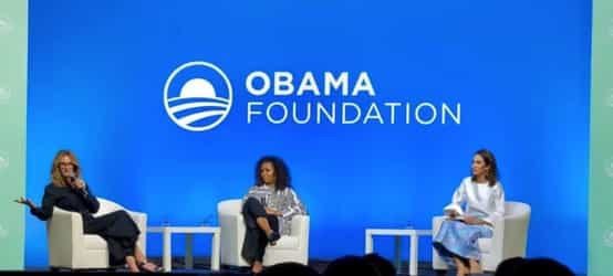 """Michelle Obama And Julia Roberts On Family & Relationships: """"You Define What 'Having It All' Means"""