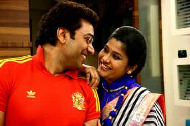 Indian mums are under a lot of pressure to breastfeed: Renuka Shahane