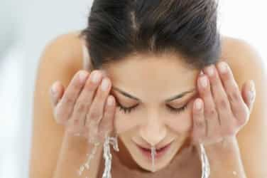 Try these 8 easy home remediesfor post Holiskin and hair care