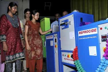 Good news! India gets its first set of large-scale sanitary napkin vending machines
