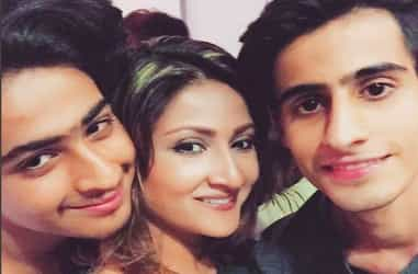 Urvashi Dholakia opens up on her struggles as a single mother!