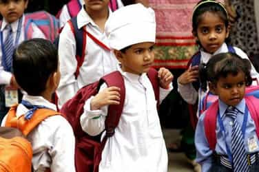 Parents are sending kids to school with long sleeves, here's why you should too!