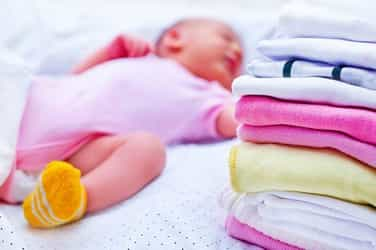 6 tips to keep in mind while washing your newborn's clothes