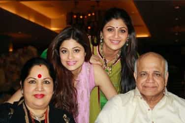 Shilpa Shetty bids an emotional and heartfelt farewell to her father