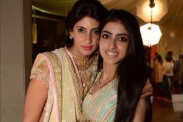 """""""You don't know my daughter,"""" writes Shweta Bachchan Nanda as she lashes out at those who objectify Navya"""