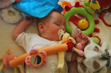 Tragic! Pacifier strap chokes and kills 18-month-old boy
