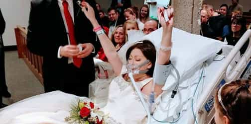 Terminally ill woman marries the love of her life before losing fight to cancer