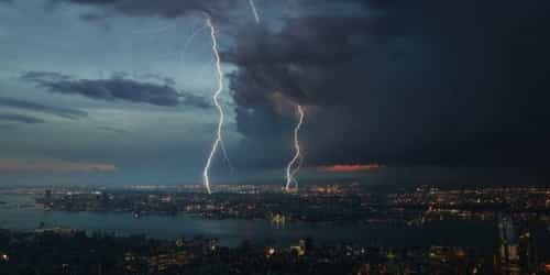 6-Year-Old Dies By Electrocution By Lightning Through A Mobile Phone