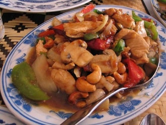 Mushrooms with Chicken and Snow Peas