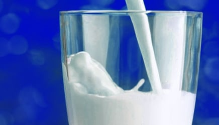 What milk brings to the table: 5 benefits of whole milk that all moms should know