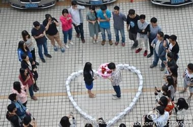Man buys 99 iPhones to propose to girlfriend - she says No