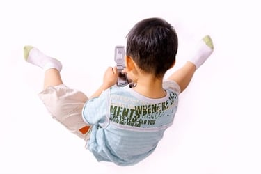 """""""Mommy, phone please!"""" – Being smart about kids and gadgets"""
