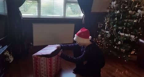 Find out why this boy is crying on Christmas Day - Heartwarming video!