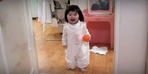 Clever tot turns the tables on her dad and foils his evil plans