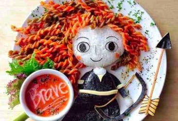 Stay-at-home mom makes incredible food art for kids