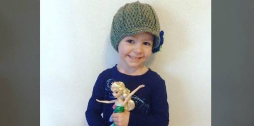 Terminally ill 3-year-old travels the world via postcards