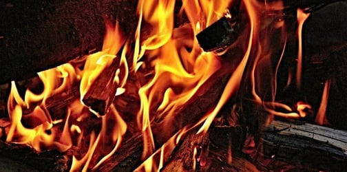 Indian man dies of burns trying to save wife
