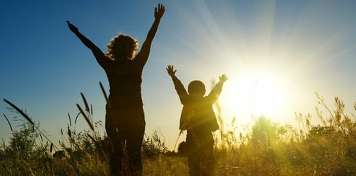 10 Valuable life lessons only a mother could teach