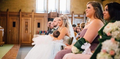 Bride stops her own wedding ceremony in order to breastfeed her daughter