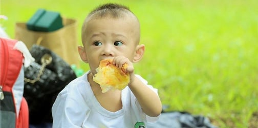 Why you shouldn't feed your child when you're hungry