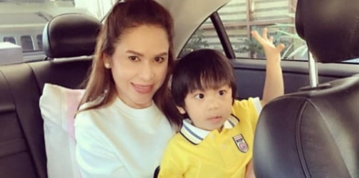 Who's Mommy? Jinkee Pacquiao plays adorable prank on her toddler with twin sis