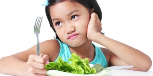 Common parenting mistakes with feeding and mealtimes