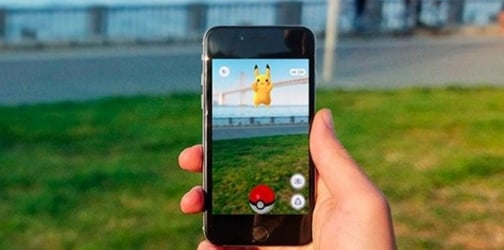 Couple abandons toddler alone at home to play Pokemon Go