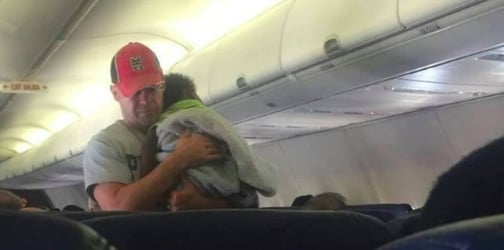 Man's act of kindness for pregnant mom on plane will have you in tears