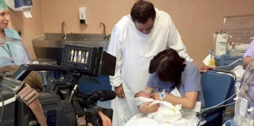 First-time mom gives birth naturally at 61 years old