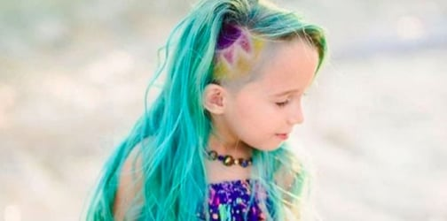"""Mom fires back at haters who judged her for giving her daughter """"unicorn hair"""""""